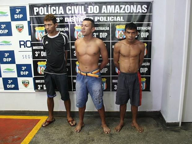 Trio foi preso na sexta-feira (17), após investigações do 3º DIP (Foto: Luis Henrique Oliveira/G1 AM)
