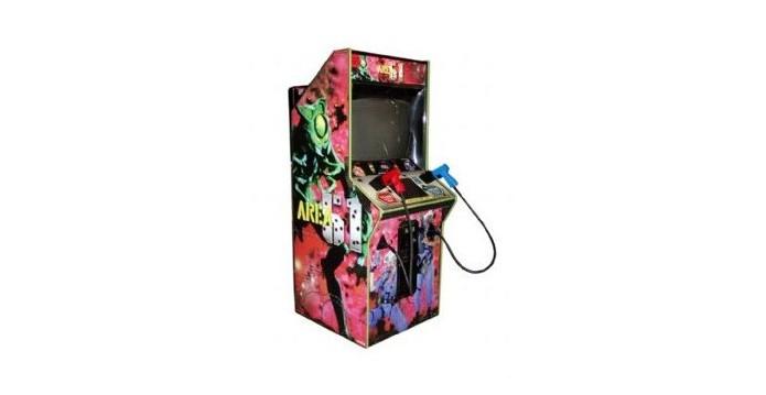 Arena 51 é um jogo bizarro, mas sua máquina arcade foi muito popular (Foto: Reprodução/Wikipedia)