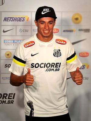 Leandro damião santos apresentação (Foto: Ivan Storti /Divulgação Santos FC)