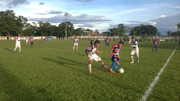 Araguaína goleia o Tocantins e lidera o Tocantinense (Foto: Vilma Nascimento/GloboEsporte.com)
