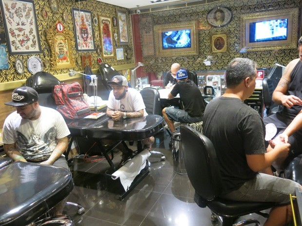 Estúdio da Náutica Tatto em Santos, SP, já foi visitado por diversos artistas (Foto: Guilherme Lucio/G1)