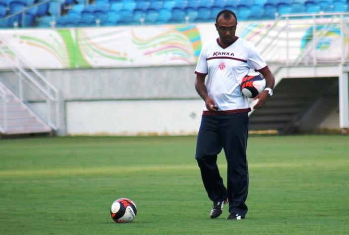 América-RN - Felipe Surian, técnico (Foto: Canindé Pereira/América FC/Divulgação)