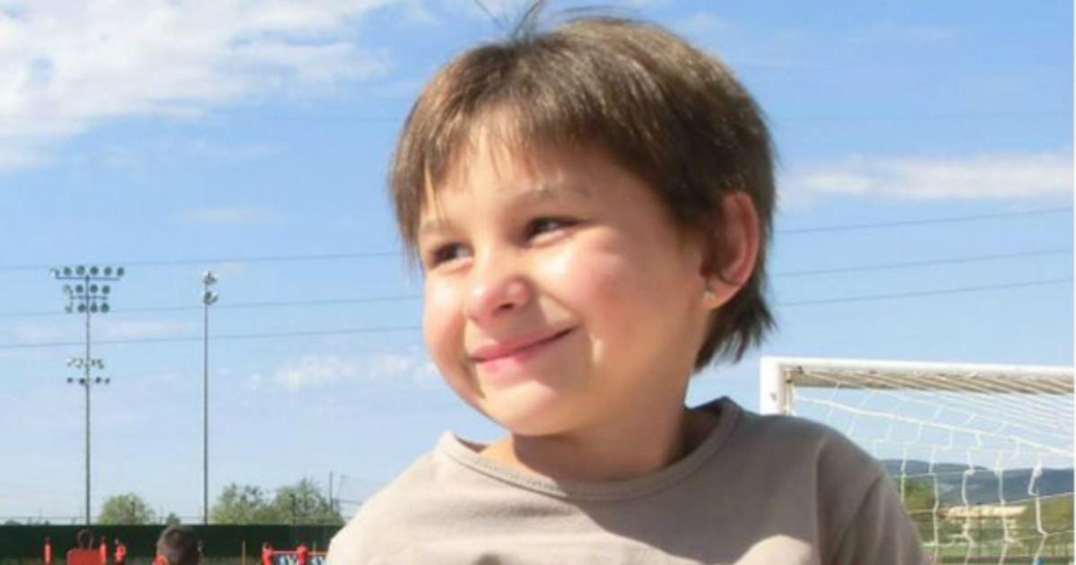A luta pela sobrevivência da menina com 'pele de réptil'
