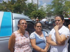 Amigas se juntaram em uma tentativa de diminuir a dor da perda (Foto: Jorge Machado/G1)