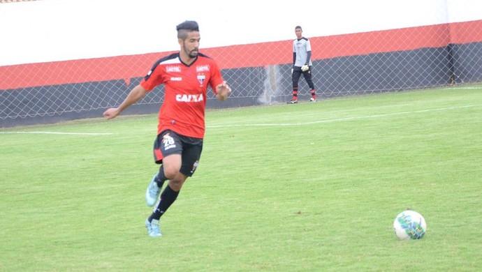 Jonathan - lateral-direito do Atlético-GO (Foto: Divulgação / Atlético-GO)