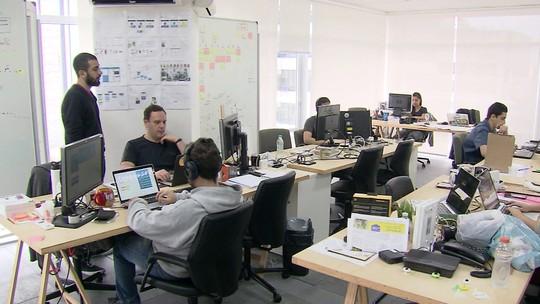 Smart money une investimento e mentoria para empreendedores
