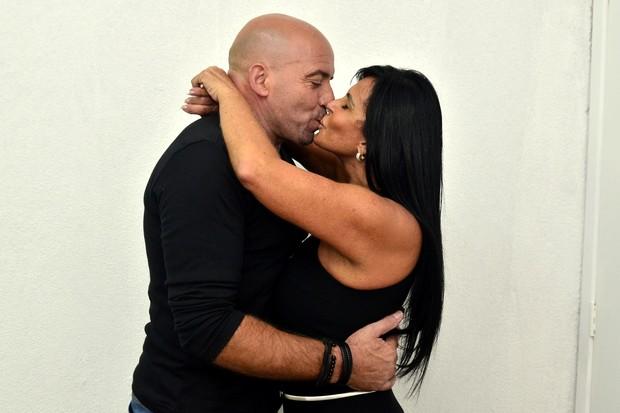 Gretchen com o marido (Foto: Roberto Teixeira / EGO)