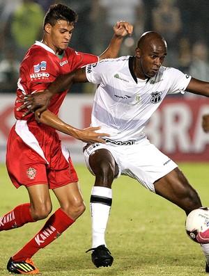 Michel e Itamar, Ceará x Boa Esporte (Foto: LC Moreira / Agência Estado)
