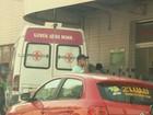 Filha de enfermeira é flagrada pegando carona em ambulância