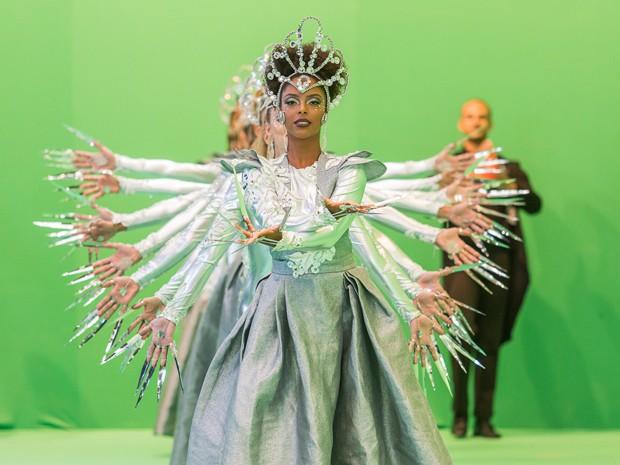 Bailarinas dão show para desfile da União de Santa Teresa (Foto: Artur Meninea/Gshow)