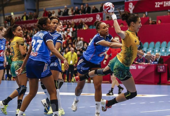 Dara faz um gol na vitória do Brasil sobre a França (Foto: Wander Roberto / Inovafoto)