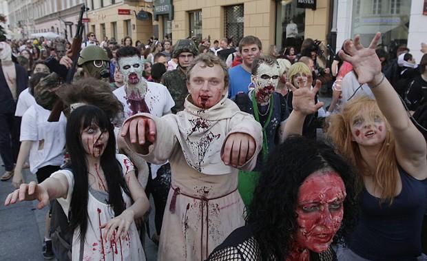'Zumbis' invadem as ruas da Polônia em homenagem a Michael Jackson Zumbispolonia2