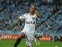 Dupla sertaneja, de atleticano e cruzeirense, faz música para Robinho