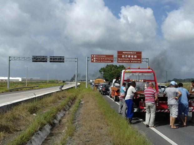 Protesto interdita quatro rodovias diferentes em Pernambuco  (Foto: Comunicação/PRF)