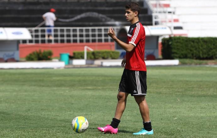 Vitor, meia do Botafogo-SP (Foto: Rogério Moroti/ Ag Botafogo)