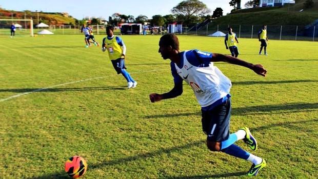 Anderson Talisca, jogador do Bahia, em treino com bola no Fazendão (Foto: Divulgação/E.C. Bahia)