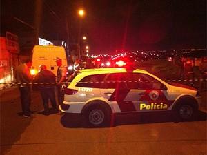 Polícia Militar cerca local onde soldado foi encontrado morto em Campinas (Foto: Felipe Boldrini/EPTV)