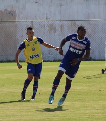 Juninho e Tinga em treino do Bahia (Foto: Divulgação / E.C. Bahia)