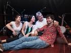 Banda 'Somethings Acoustic Beatles Band' faz apresentação em Campinas