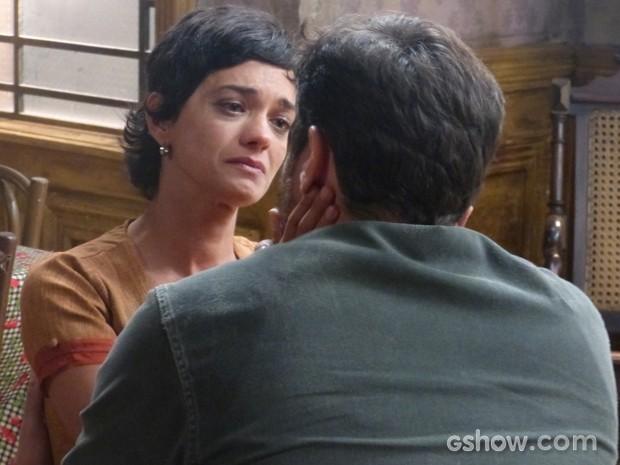 Gaia deixa caminho livre para Toni e avisa que vai sair de casa (Foto: Joia Rara/TV Globo)