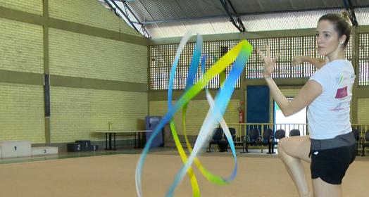 Natália retorna aos treinos (Reprodução/TV Gazeta)