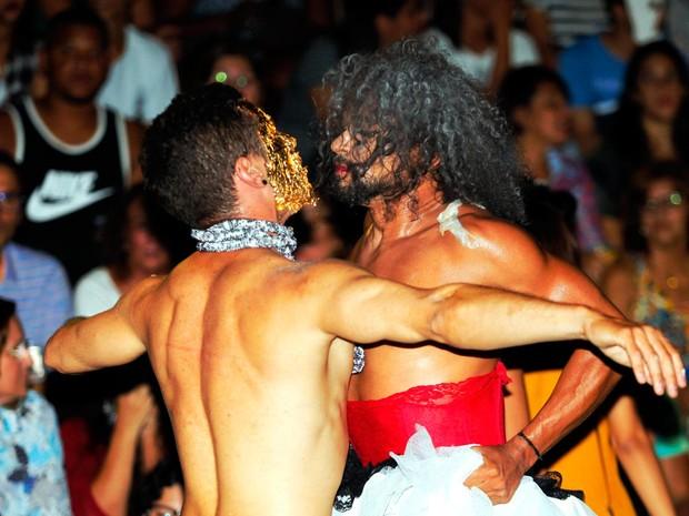 Artistas fizeram performances no intervalo dos shows (Foto: Mateus Pereira/GOVBA)