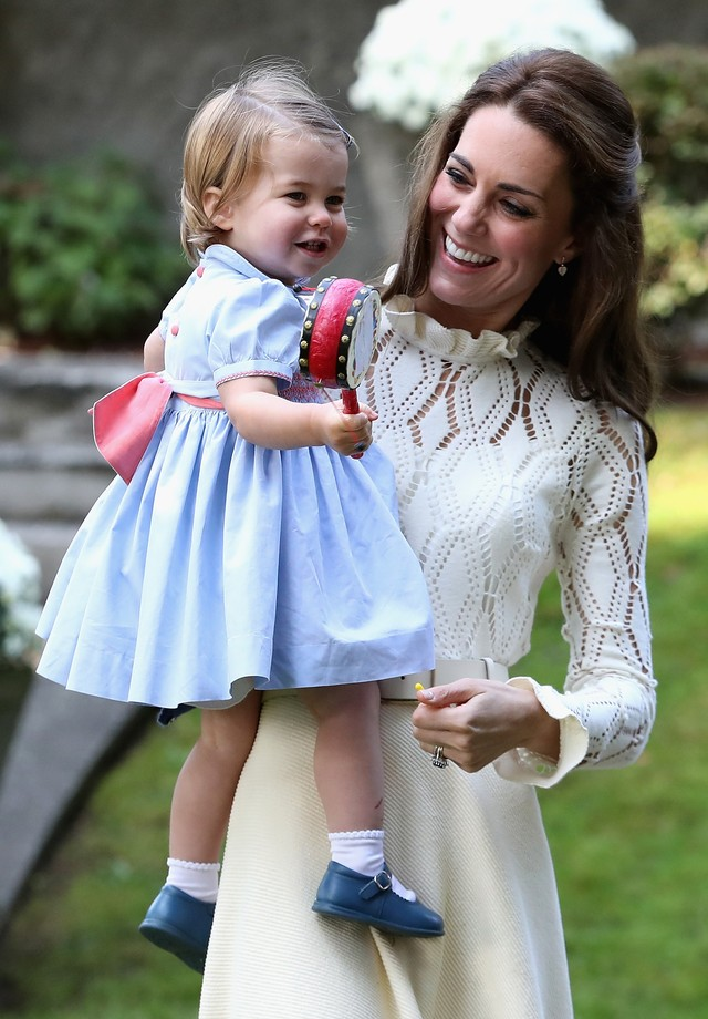 Kate Middleton com a pequena Charlotte (Foto: Getty Images)