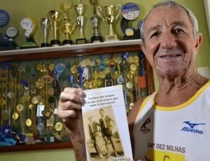 Aos 71 anos, Walmyr Zanotti vai disputar o Triatlo do Exército pela 28ª vez consecutiva (Foto: Bernardo Coutinho/ A Gazeta)