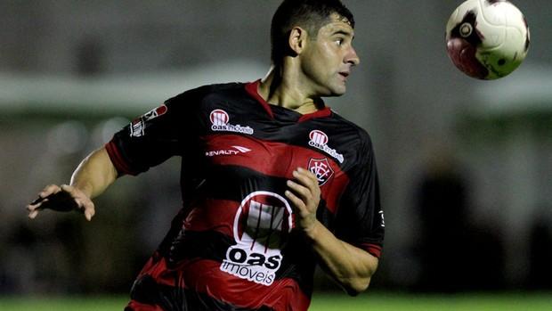 william, atacante do vitoria (Foto: Felipe Oliveira/EC Vitória/Divulgação)