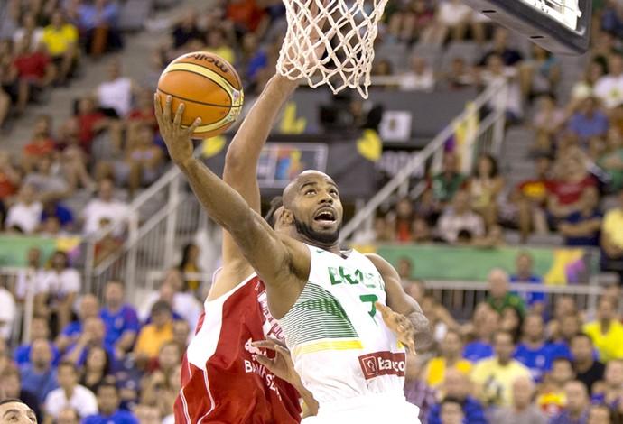 Lary Taylor basquete Brasil x Irã Copa do Mundo (Foto: FIBA)