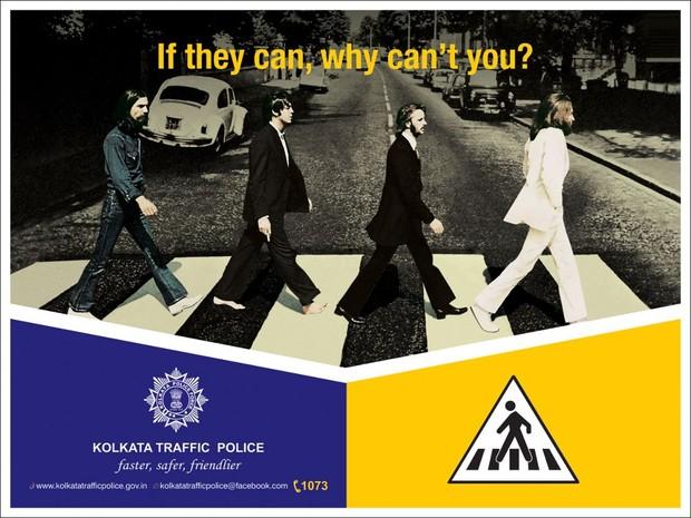 Polícia educa trânsito com 'Abbey Road' na Índia (Foto: Reprodução)