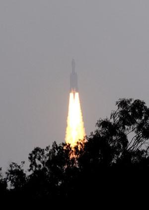 A Índia lançou nesta quinta-feira (18) com sucesso o maior foguete de sua história espacial (Foto: AFP)
