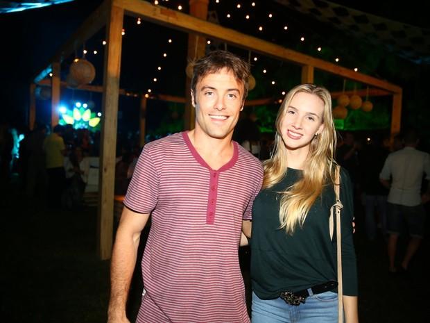 Kayky Brito e namorada, Bianca Grubhofer, em festa no Rio (Foto: Ag. News)
