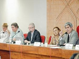 Reunidos, membros do Consepe decidiram adotar Enem como única prova para processo seletivo. (Foto: Divulgação/UFPA)