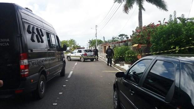 Confronto com a PM aconteceu na manhã desta sexta (29) em Capim Macio (Foto: Marksuel Figueredo/Inter TV Cabugi)