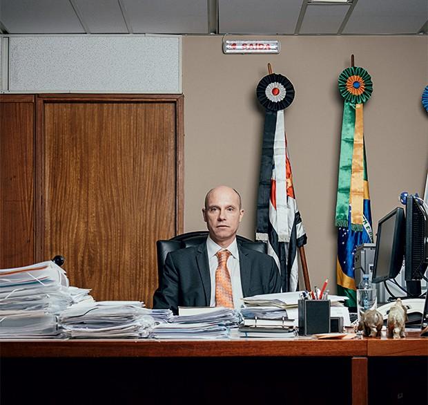 VINGADO Fausto De Sanctis,  em seu gabinete. Ele diz que  o mensalão  mudou o Judiciário (Foto: Filipe Redondo/ÉPOCA)
