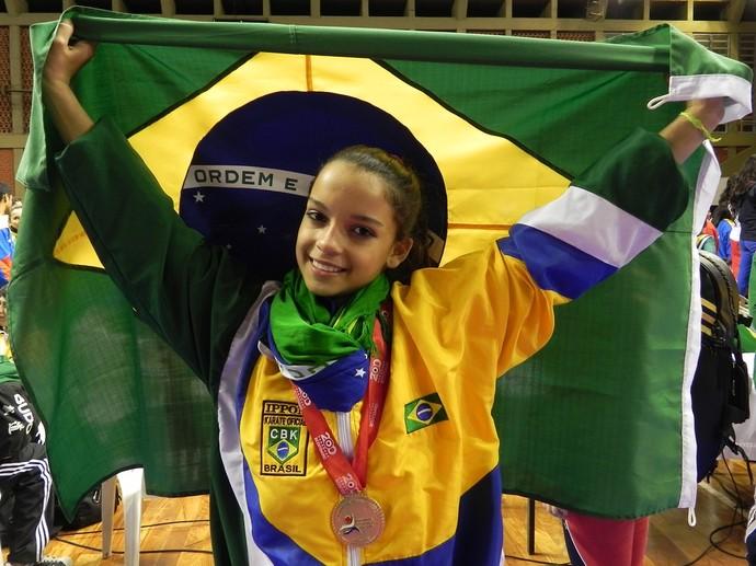 Isabela Correa disputa medalha no caratê (Foto: Arquivo / Divulgação)