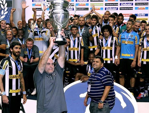 mauricio assumpção botafogo troféu taça rio (Foto: André Durão / Globoesporte.com)