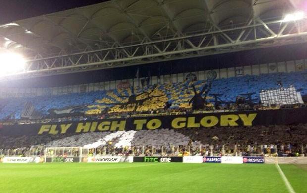 Mosaico Torcida Fenerbahçe (Foto: Reprodução/Twitter)