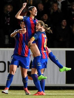 Barça celebra gol diante do Rosengard