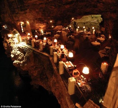 Restaurante fica dentro de gruta na it lia pagenotfound for Grotta palazzese restaurant menu