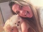 Carol Dantas posa com o filho e a cachorrinha: 'Meus dois amores'