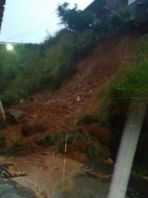 Estragos causados pela chuva em Santos Dumont (Foto: Corpo de Bombeiros/Divulgação)
