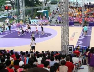 O basquete 3x3 foi disputado com sucesso nos Jogos Olímpicos da Juventude de 2010 (Foto: FIBA)