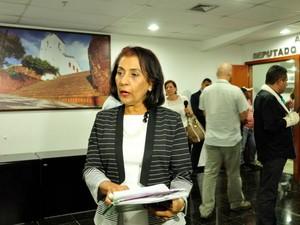 A assessora jurídica da CNA, Alda Carvalho, defende a participação da sociedade no Grupo de Trabalho (Foto: Amanda Sampaio/G1 MT)