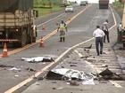 Jovens morrem em colisão entre carro e caminhão em rodovia de Bebedouro