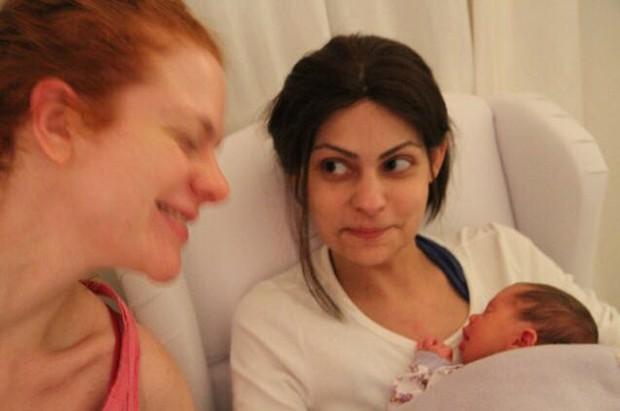 Maria Eduarda de Carvalho, com a filha, Maria Eduarda de Carvalho, com a Maria Antônia, e a Luiza e a irmã, Maria Antônia (Foto: Divulgação)