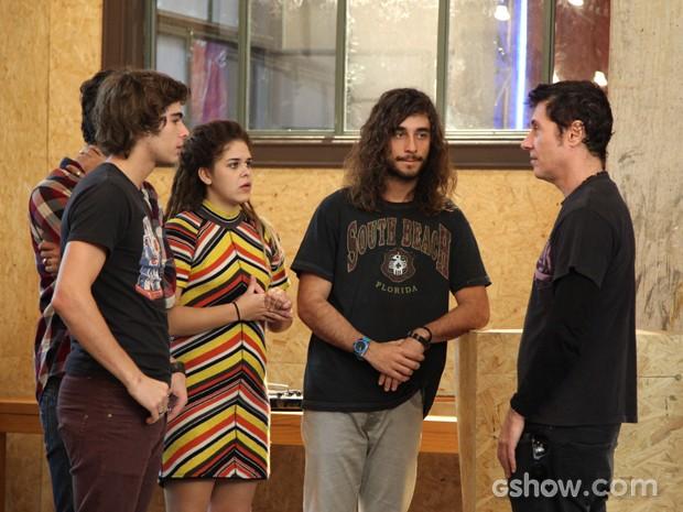 Como no SuperStar, o cantor será jurado na trama (Foto: Camila Camacho / TV Globo)