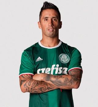 Aprovada! Nova camisa do Palmeiras é eleita a mais bonita dos ... 73941c8491c2b