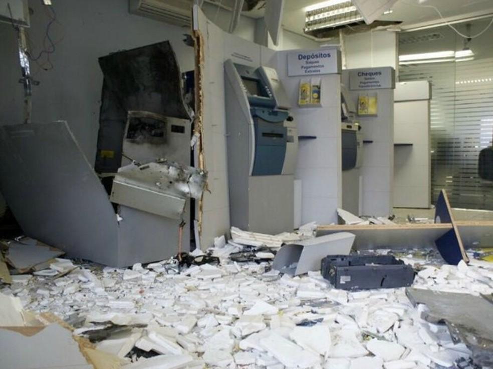 Bancos de Jaguaruana foram explodidos e população relata pânico (Foto: Arquivo pessoal)